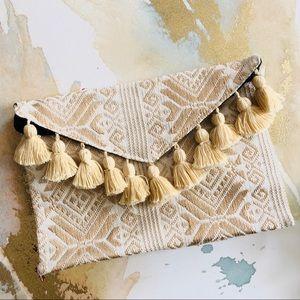 Handbags - 🆕 Embroidered Tassel Clutch